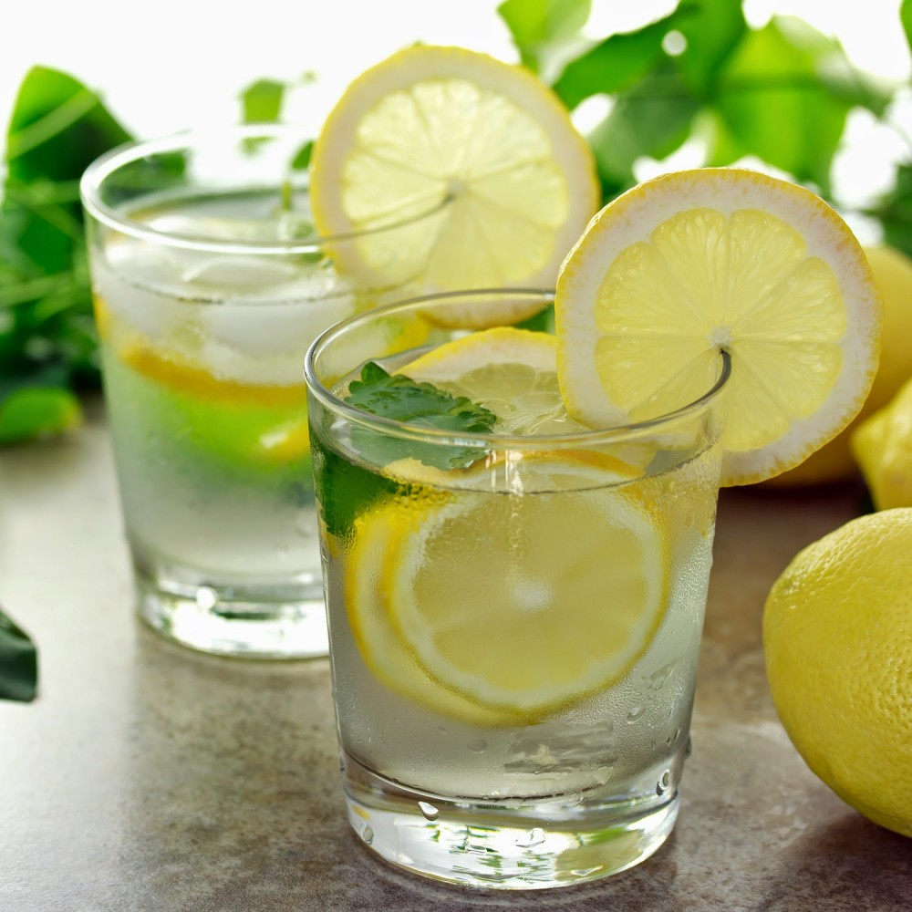 10-Reason-why-you-should-drink-lemon-water-1-2