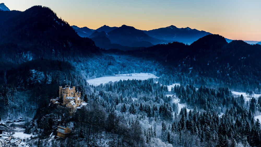 zamek-w-niemczech-neuschwanstein-10