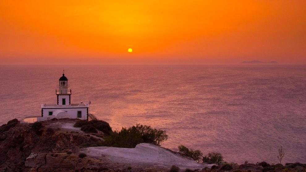 Santorini-Light-House-1