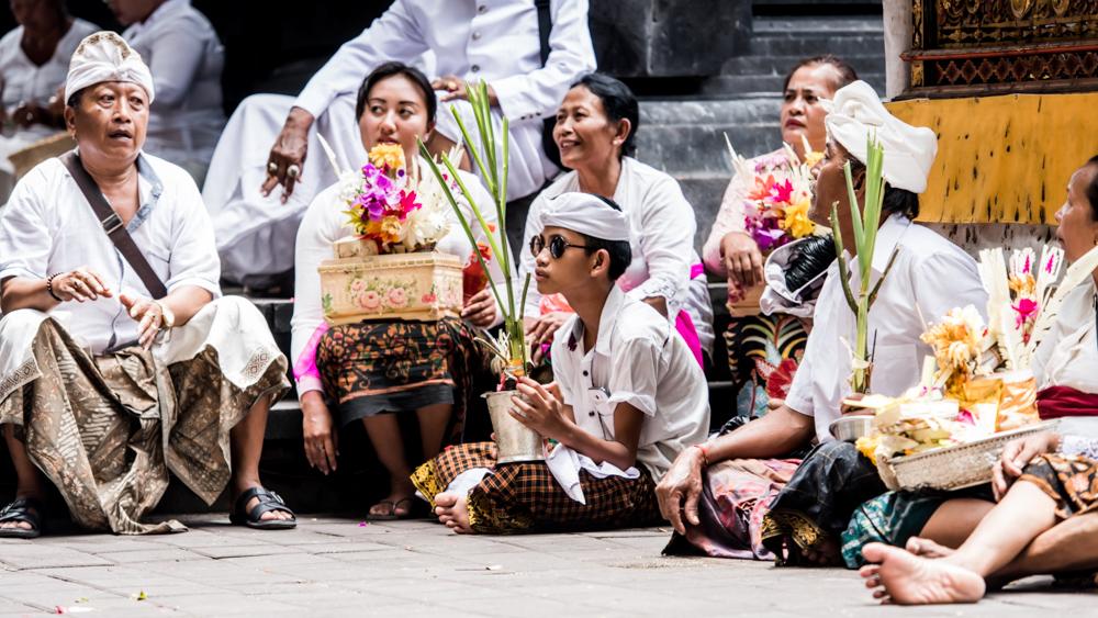 Najpiekniejsze swiatynie Bali Pura Goa Lawah-21