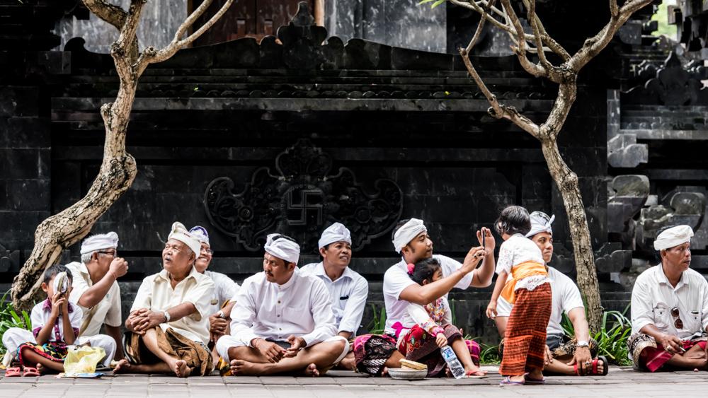 Najpiekniejsze swiatynie Bali Pura Goa Lawah-23