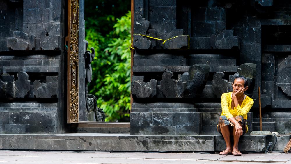 Najpiekniejsze swiatynie Bali Pura Goa Lawah-29