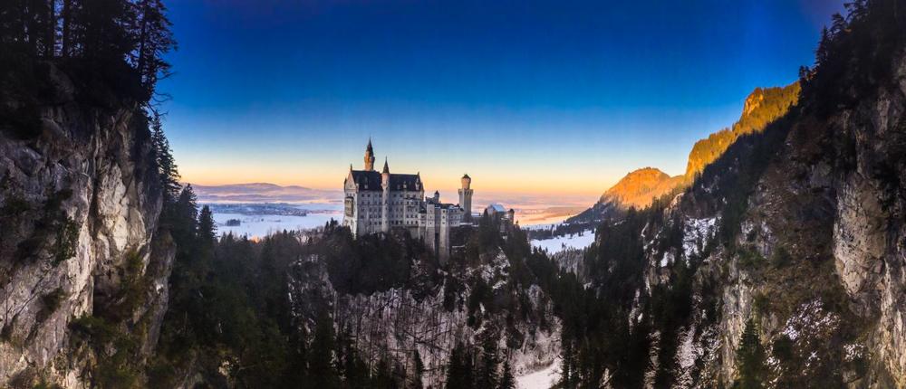 zamek-w-niemczech-neuschwanstein-1-2
