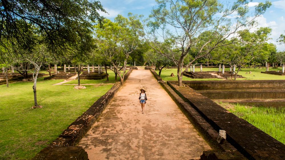 Sri lanka Polonnaruwa-28