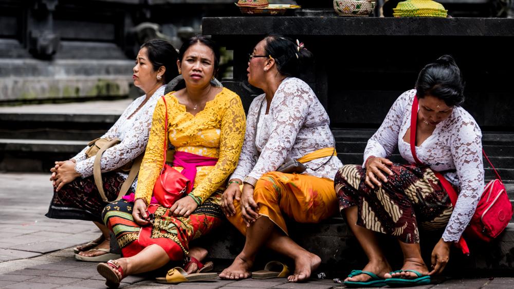 Najpiekniejsze swiatynie Bali Pura Goa Lawah-38