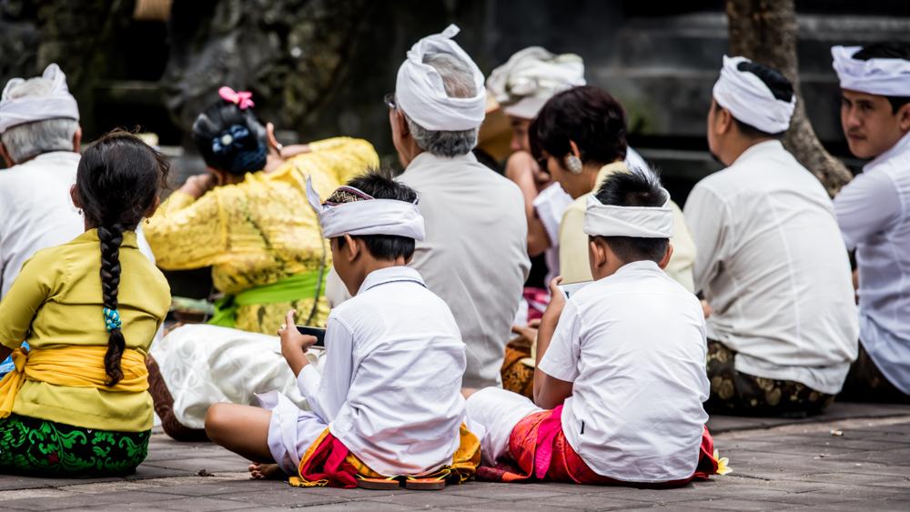 Najpiekniejsze swiatynie Bali Pura Goa Lawah-39